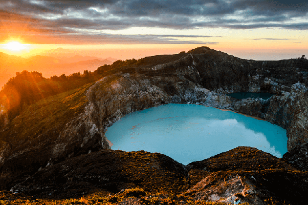 Admire the Lake of Kelimutu - indonesia vacation