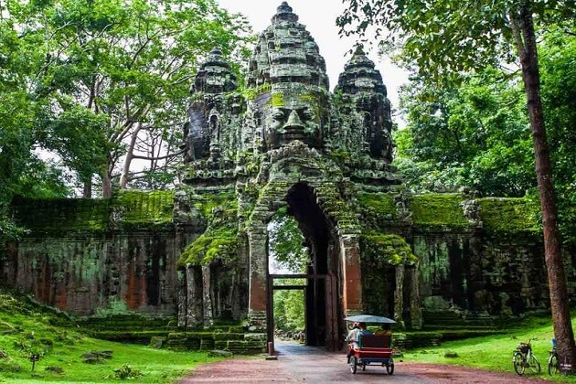Angkor Thom - cambodia classic holiday packages
