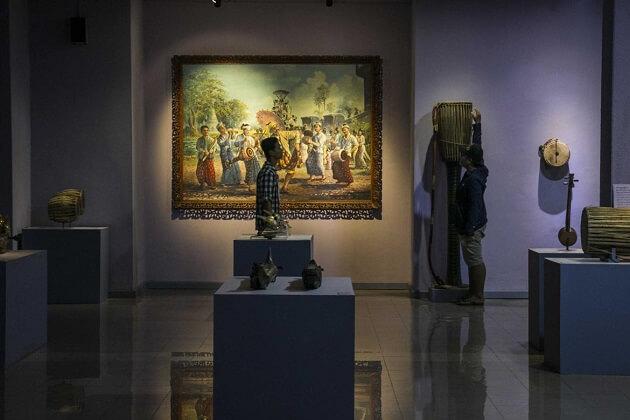 Archaeological Museum - myanmar tour 2 weeks