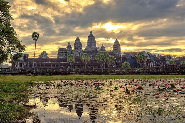 Bayon Temple - cambodia tours