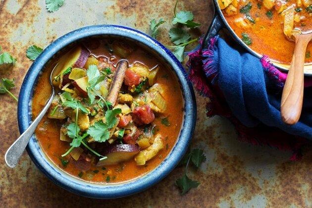 Burmese Curry - best food in myanmar