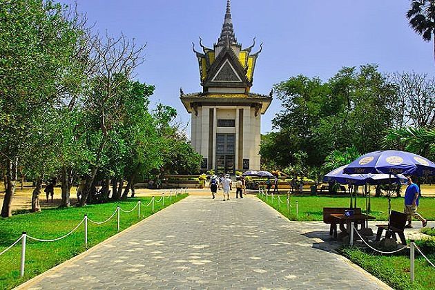 Choeung Ek - indochina tour packages