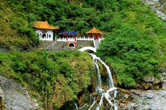 Eternal Spring Shrine in taiwan