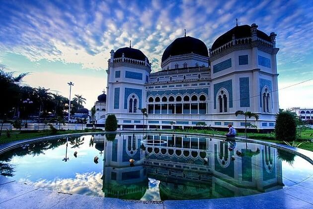 Grand Mosque of Medan - sumatra jungle trek