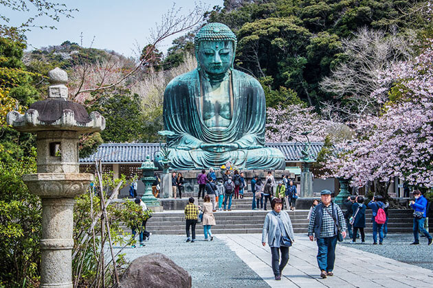 Great Buddha Statue of Kamakura - attractions in Japan