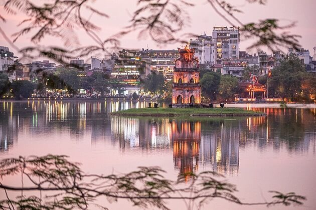 Hoan kiem lake - asia tours and travel