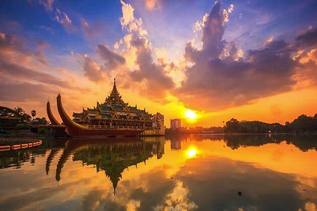 Kandawgyi Lake - myanmar 2 weeks backpacking