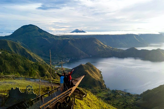 Lake Toba - sumatra jungle adventure