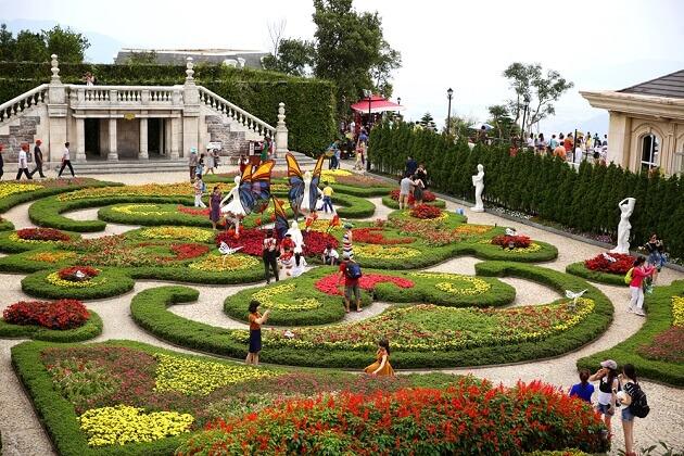 Le Jardin Garden - vietnam highlight travel packages