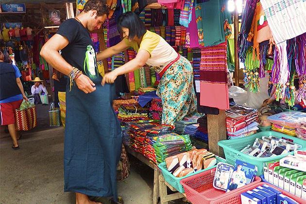 Longyi - myanmar souvenirs