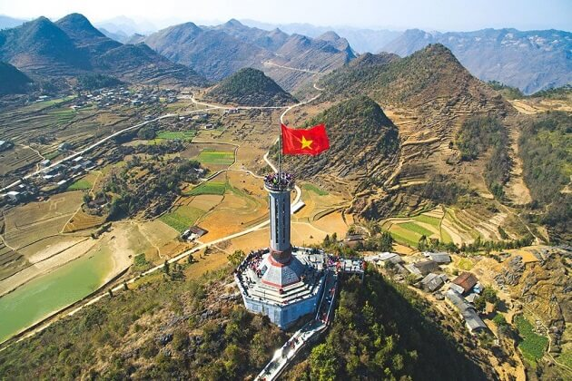 Lung Cu Flag tower - indochina travel packges
