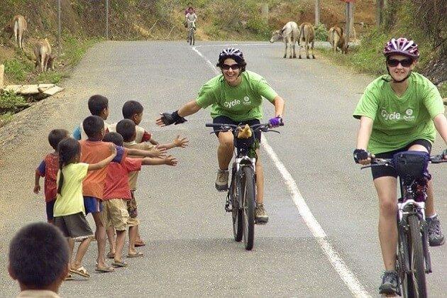 Muang Kham - cycling in laos