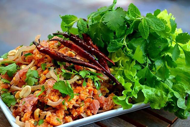 Nam Khao Tod - best laos food