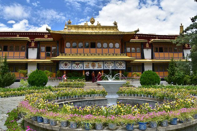 Norbulingka Palace - travel to bhutan nepal tibet