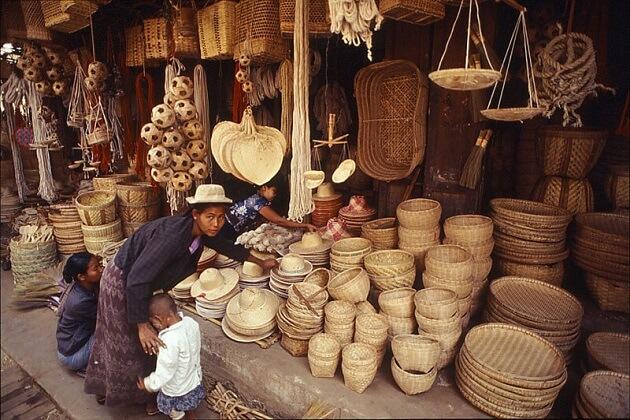Nyaung U Local Market - best myanmar tours