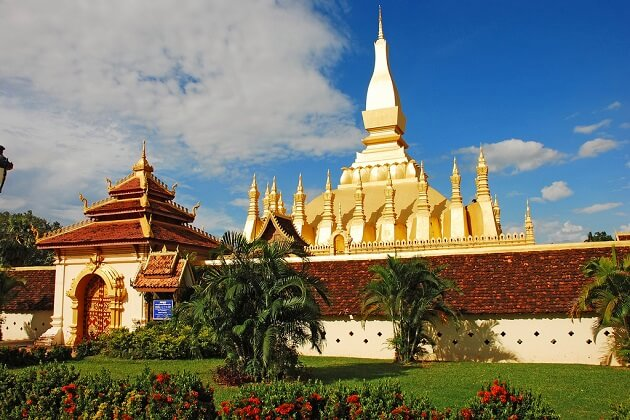 Pha That Luang - laos vacation packages
