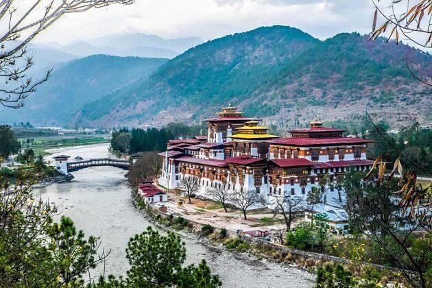 Punakha Dzong - bhutan biking trip