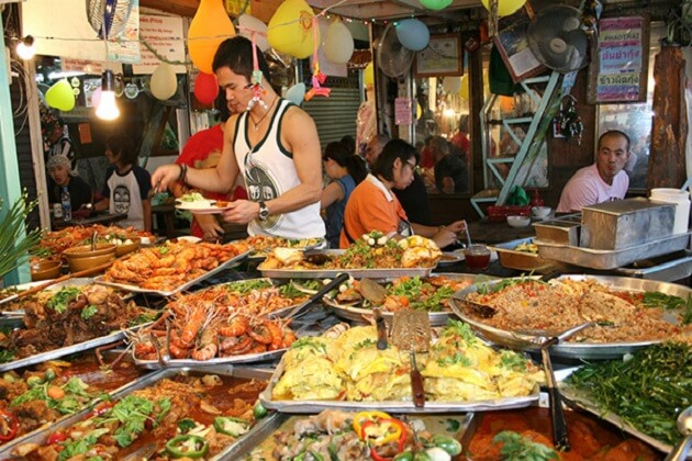 Sampling Street Food - cambodia tour packages
