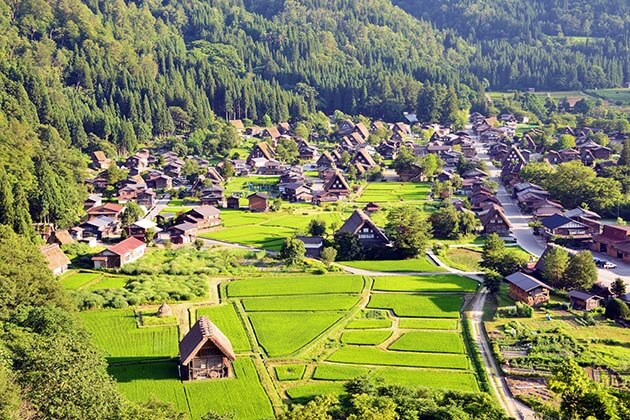 Shirakawa - best japan tours