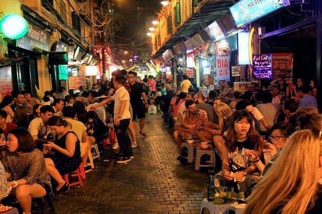 Ta Hien Street - vietnam things to do and see