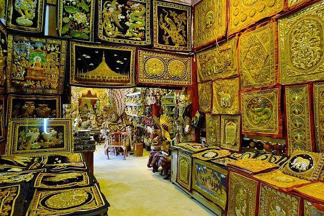 Tapestries - best myanmar souvenir