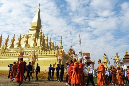 That Luang - classic tour in laos