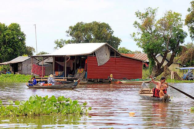 Tonle Sap Lake - vietnam cambodia thailand tour package