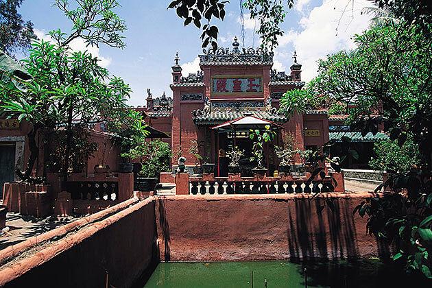 Vietnam cambodia laos myanmar tour - jade emperor temple