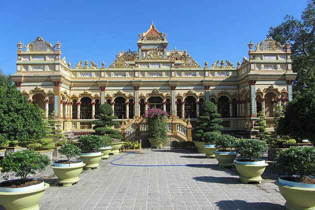 Vinh Trang Pagoda - best tours of indochina