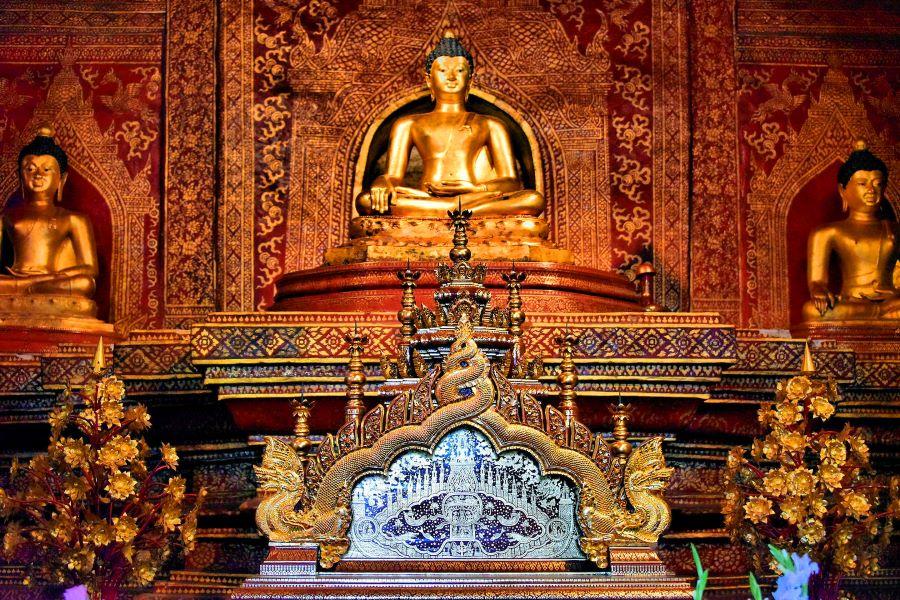 Wat Phra Singh in chiang mai bangkok