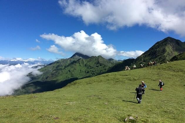 bhutan trekking - what to do in bhutan