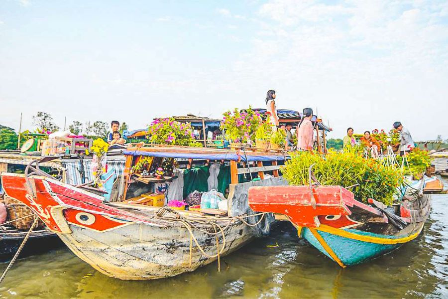 cai be floating market in mekong delta south vietnam
