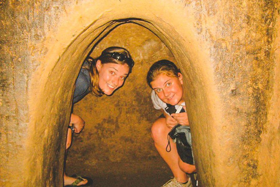 cu chi tunnels exploration