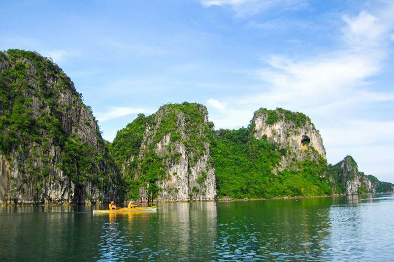 halong bay kayaking asian tour packages