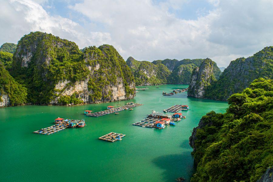 halong bay unesco world heritage site in vietnam