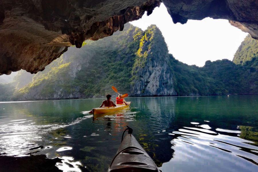 kayak in halong bay vietnam