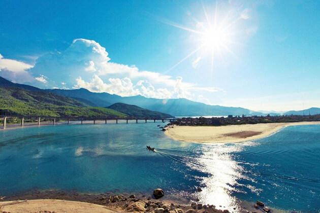 lang co beach - 10 day itinerary vietnam