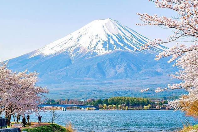 mountain fuji - japan best attractions