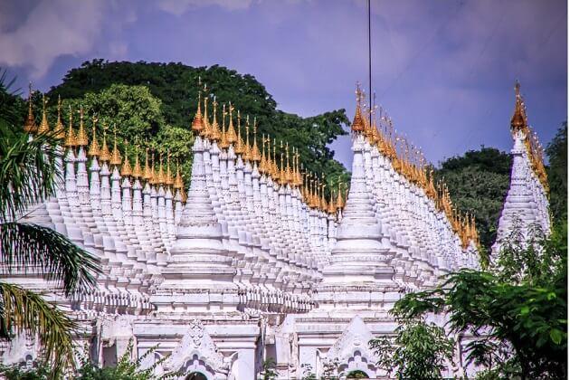 myanmar tours - Kuthodaw pagoda