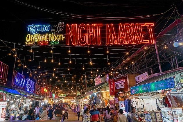 night market - exciting things to do in cambodia