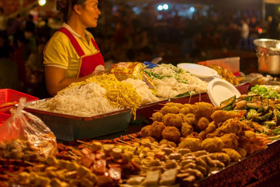 phnom penh night street foods