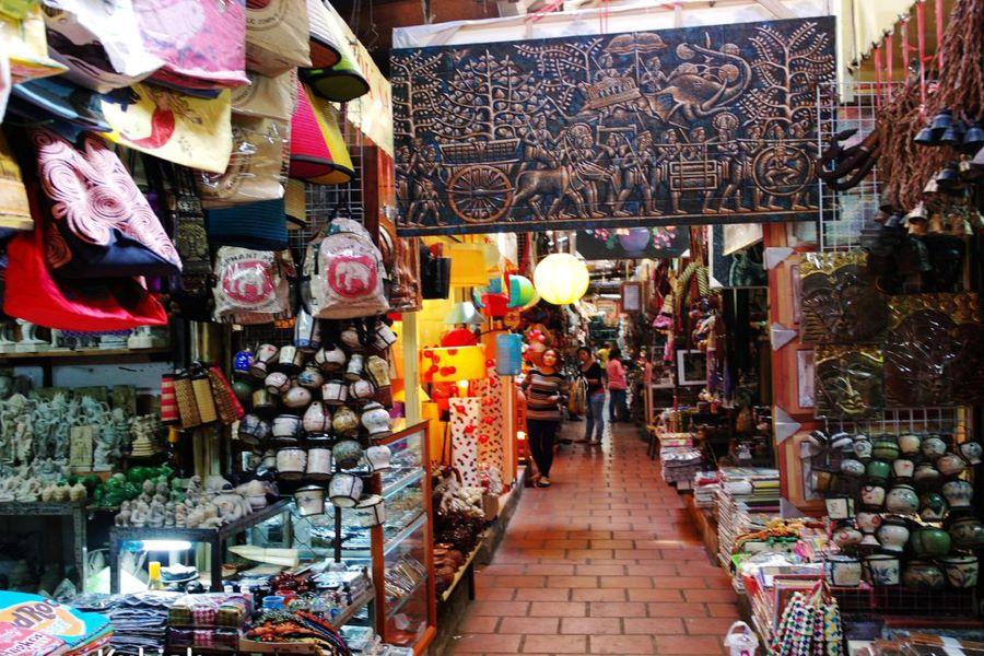 russian market in cambodia