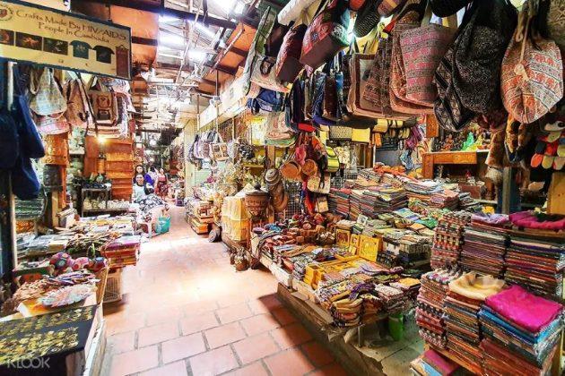 russian market in phnom penh cambodia