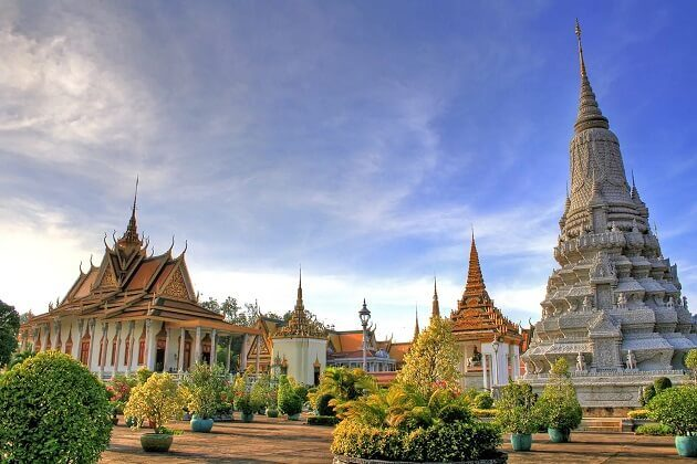 silver pagoda - best indochina route