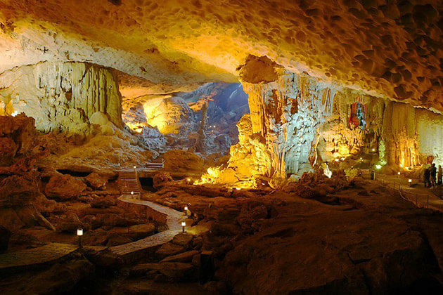 sung sot cave - indochina travel packages