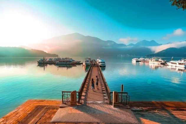 sunmoon lake in taiwan