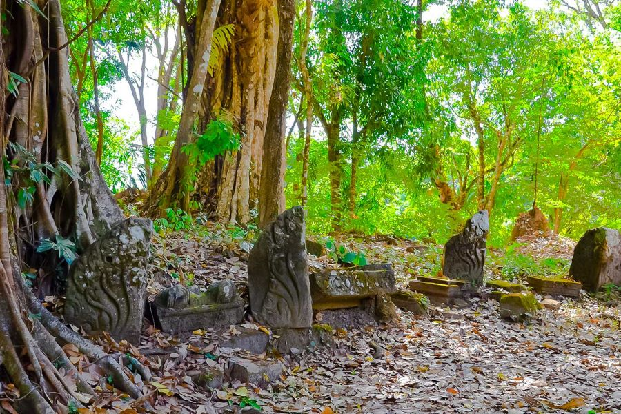 temple of Oum Moung in laos