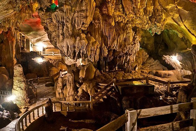 tham jang cave - adventure tour in southeast asia