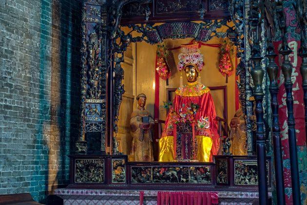 thien hau pagoda in saigon vietnam