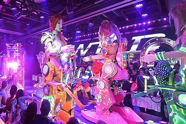 things to do in Japan - Robot restaurant